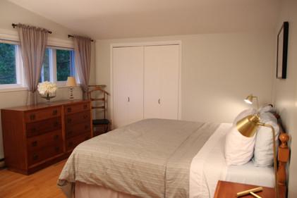 grande chambre avec lit king
