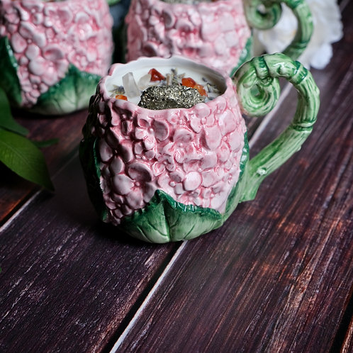 Calla Lily + Sparkling Grapefruit Candle in Vintage Hydrangea Flower Mug