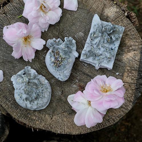 Dragons Blood + Nag Champa Wax Melts (Gray) - Pyrite, Black Tourmaline, Sage