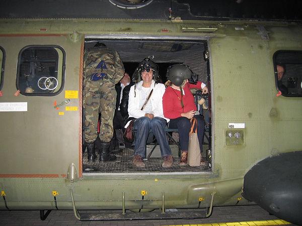 1.2.Helicópteros: Vuelo diurno y nocturno en las FAMET