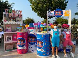 Candy Twins, empresarios de CIS Preschool