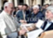 La collezione Misericordia donata a papa Francesco