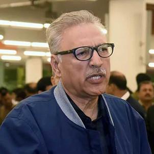 الرئيس الباكستاني يعلن إصابته بكورونا