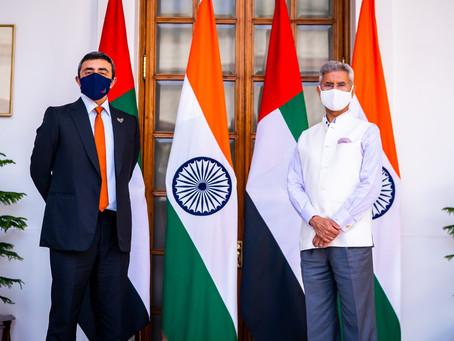 عبدالله بن زايد يلتقي وزير خارجية الهند في نيودلهي