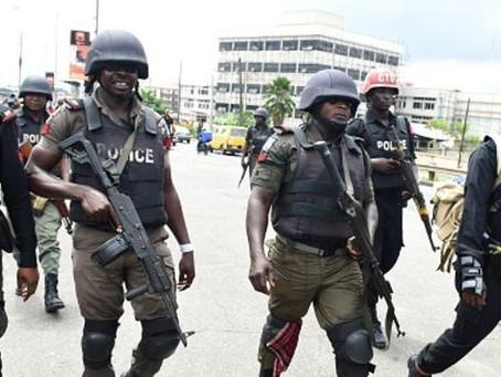 نيجيريا.. اختطاف 317 تلميذة في هجوم على مدرستهن
