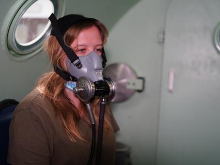 شرطة دبي تعالج 26 حالة في غرفة الضغط بالأكسجين