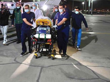 طائرة إخلاء طبي سعودية تنقل التوأم الطفيلي اليمني إلى المملكة