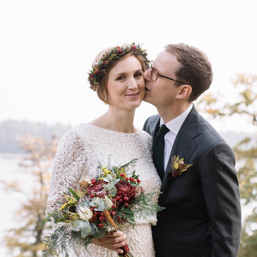 Höstbröllop mellan Jonathan och Ida 181006 <3 Nu hoppas jag dem kan njuta av sin dag om och om igen i form av sina vackra bröllopsbilder :) Tusen tack Jonathan och Ida och alla lycka i framtiden!