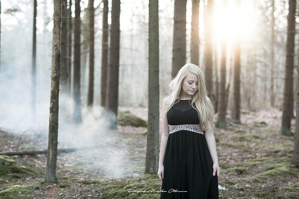 Fotografering i tallskogen med rökpatroner