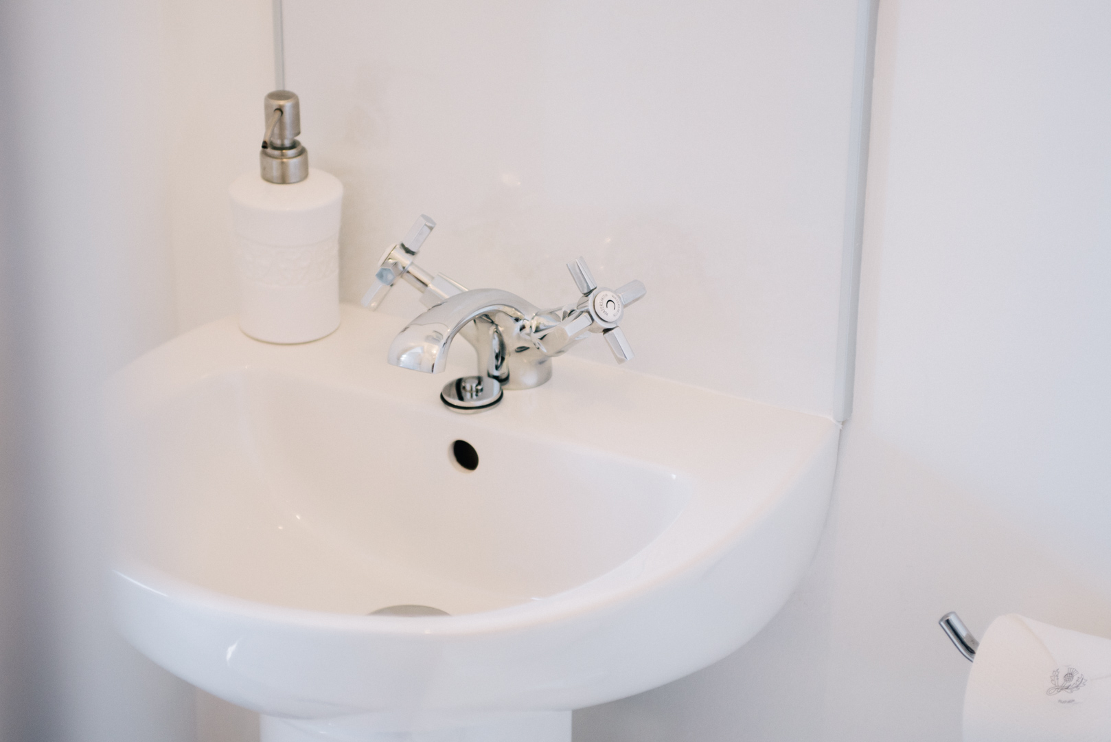 La Maison de Campagne ensuite washbasin