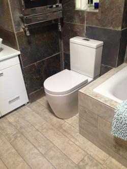 La Maison de Campagne family bathroom