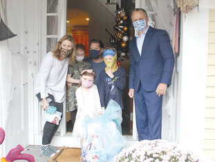 Avon girl surprised with 'Frozen' themed bedroom