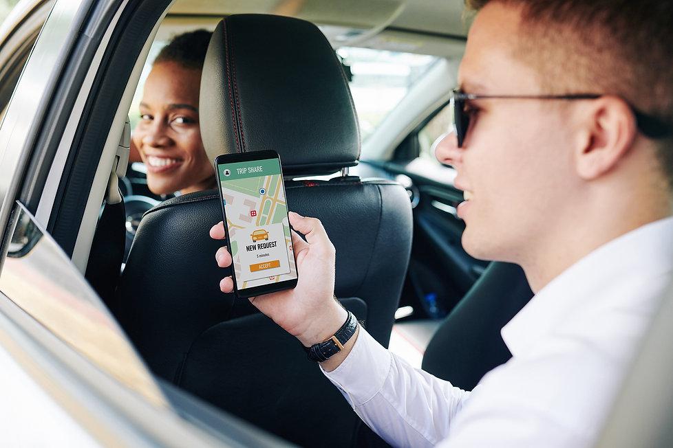 people-using-car-sharing.jpg