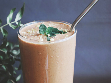 Healthy Snickers Smoothie