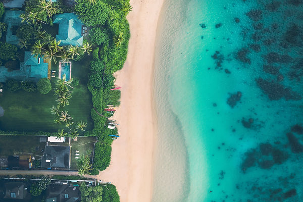 A beuatiful resdential home on the crystal clear and calm hawaiian beach of Lanikai