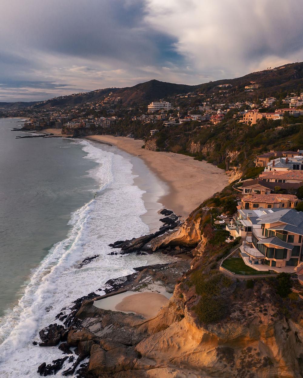 Coastline view of the beautiful beach and mountains of Laguna Beach