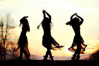 Yoga Dance: Movimentos que curam a alma
