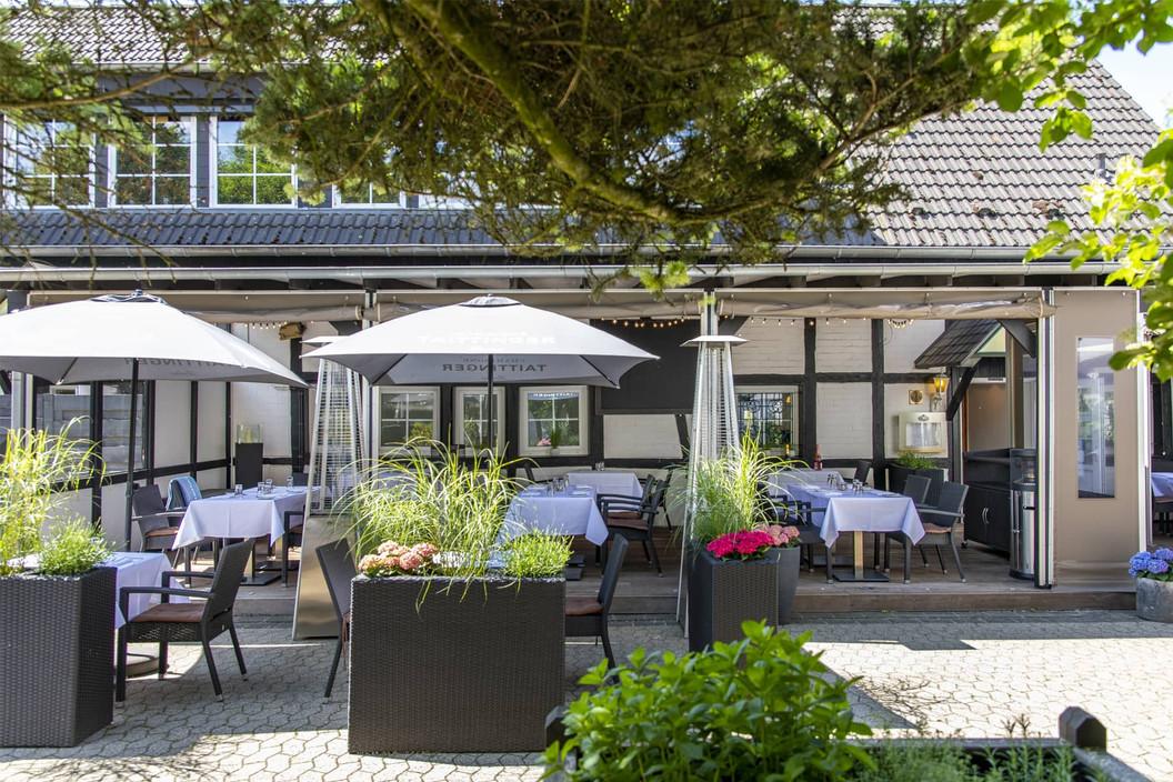 Reinhardts-Restaurant-Düsseldorf_Terasse-02.jpg
