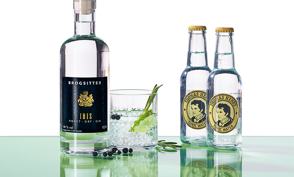 Brogsitter IRIS Finest Dry Gin mit Thomas Henry Tonic Water