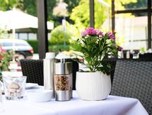 rheinhardts-restaurant-duesseldorf-Terrasse-02.jpg