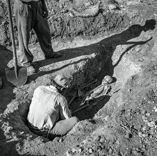 Discovery of a Late Period Grave