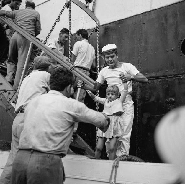 Passing a child onto the tender