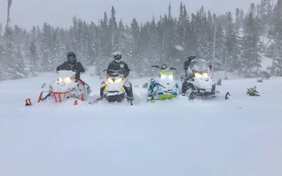 snowmobiles17.jpg