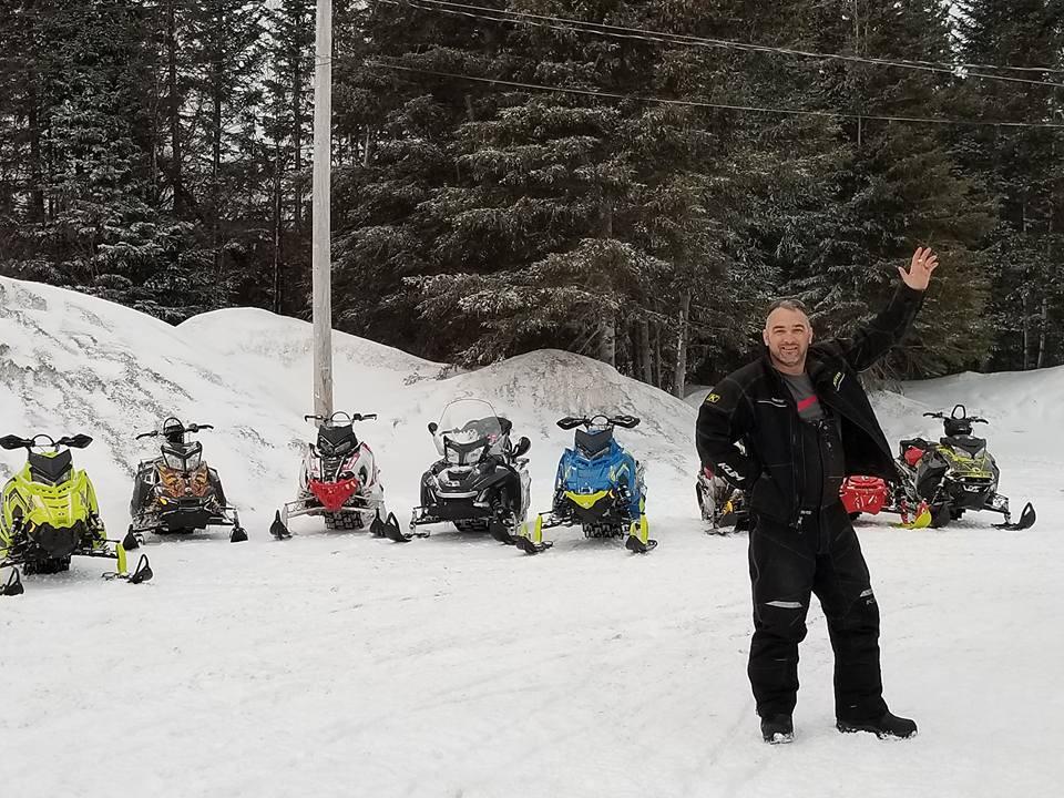 snowmobiles21.jpg