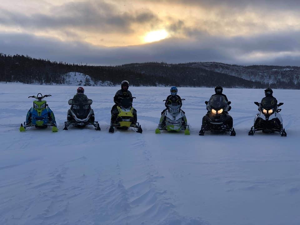 snowmobiles4.jpg