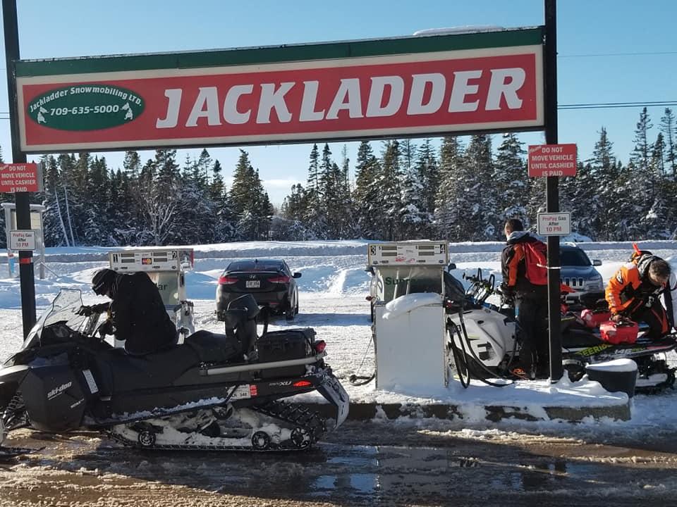 snowmobiles6.jpg