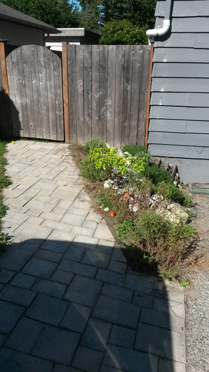paver path from driveway