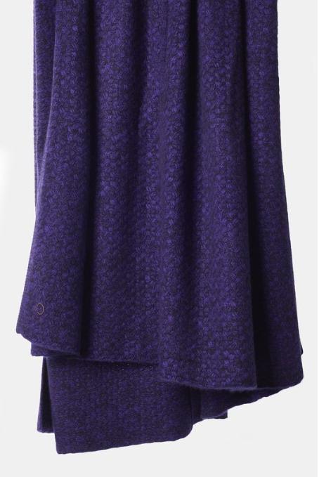 OYUNA cashmere chunky purple throw