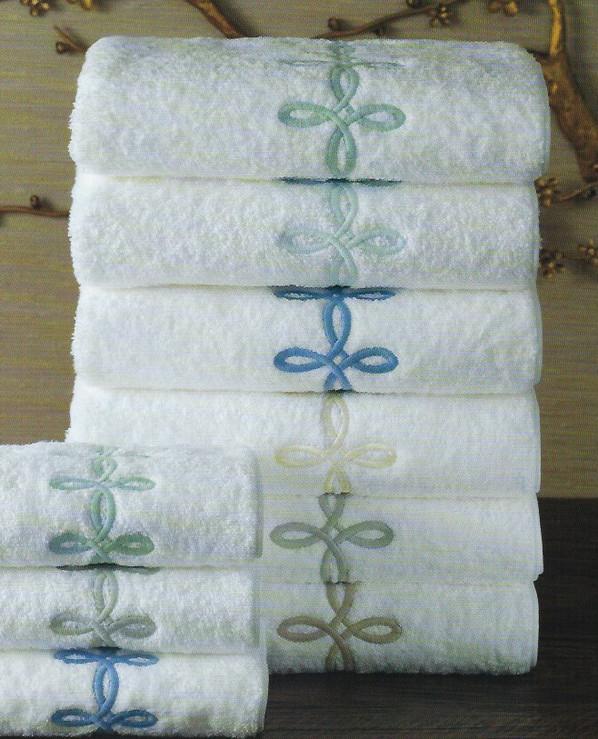 MATOUK Gordian knot towels