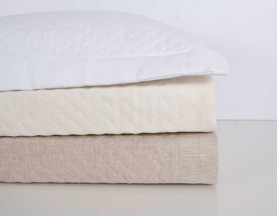HOME TREASURES Diamond linen quilted coverlet
