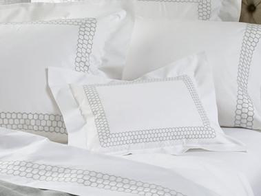 MATOUK Liana bed linens