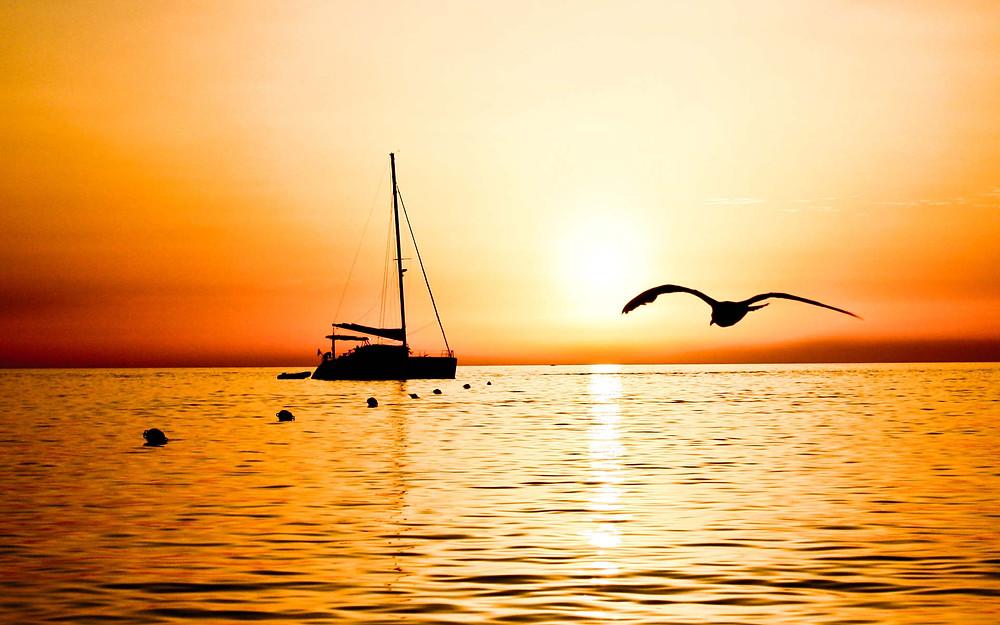 sunset-in-the-yacht_kalieye_ncnd_mwlogon.jpg