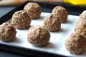almond date energy ball recipe