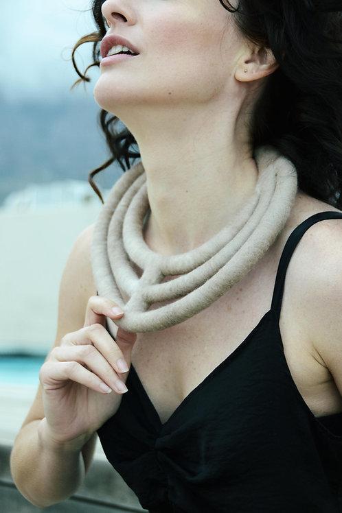 South African shop in Italy | Lombardia | Prodotto in Sudafrica | Lana Merino | Fatta a mano | Chiusura magnetica | Collana