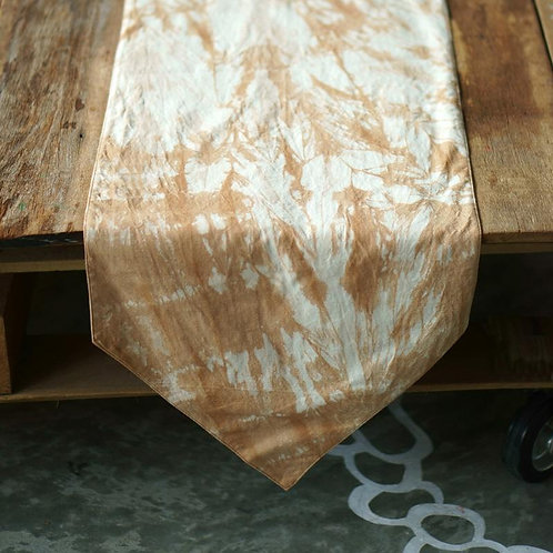 Xiapism Grunge Table Runner - pointed ends