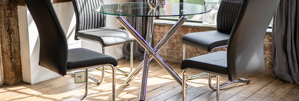 MAIA Dining Table with 4 CYRA Chairs