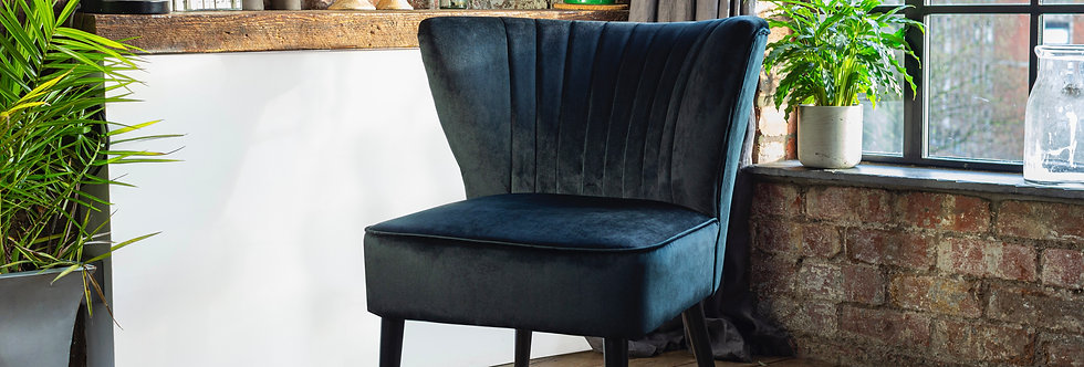 Shell Sitting Chair In Black