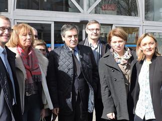 François Fillon, Isabelle Le Callennec et Gilles Lurton avec les candidats de l'Union de la Droite e