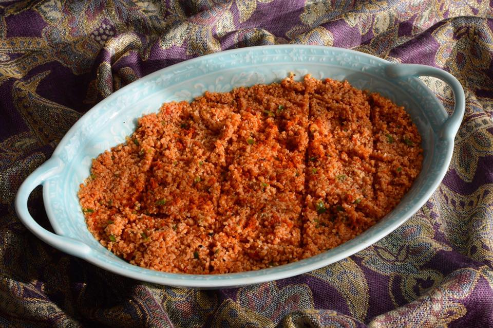 Spicy tomato bulgur salad