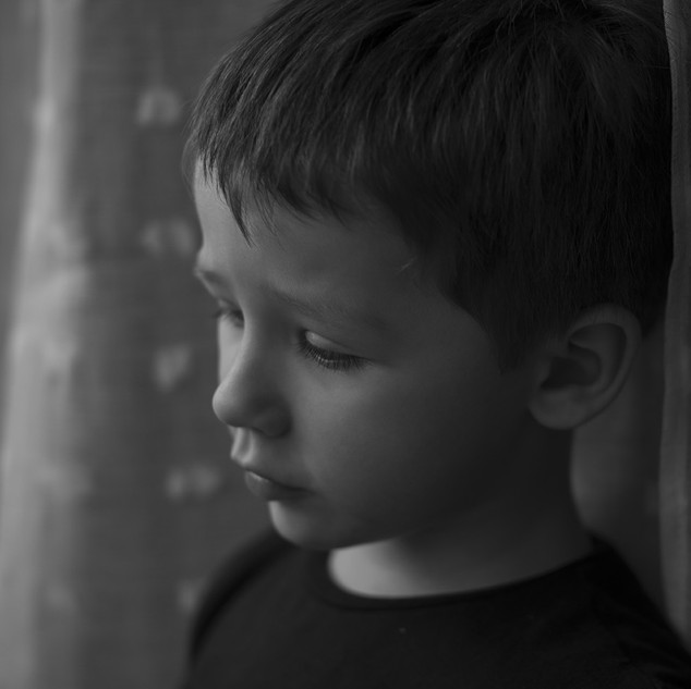 The child at the window.jpg