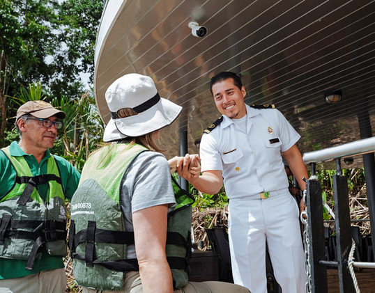 15 - LE STAFF DU MANATEE AMAZON EXPLORER