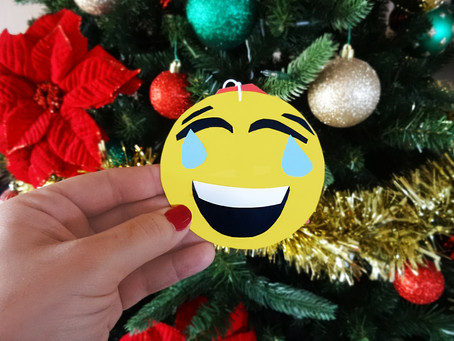 DIY Emoji Holiday Gift Tags