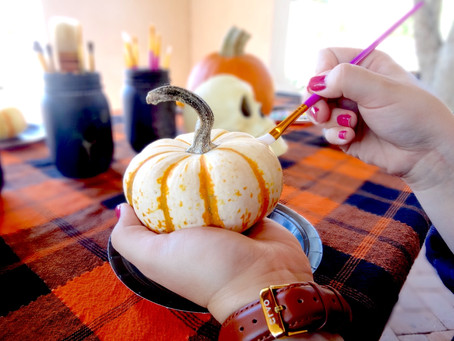 How to Style Your Table For Pumpkin Decorating