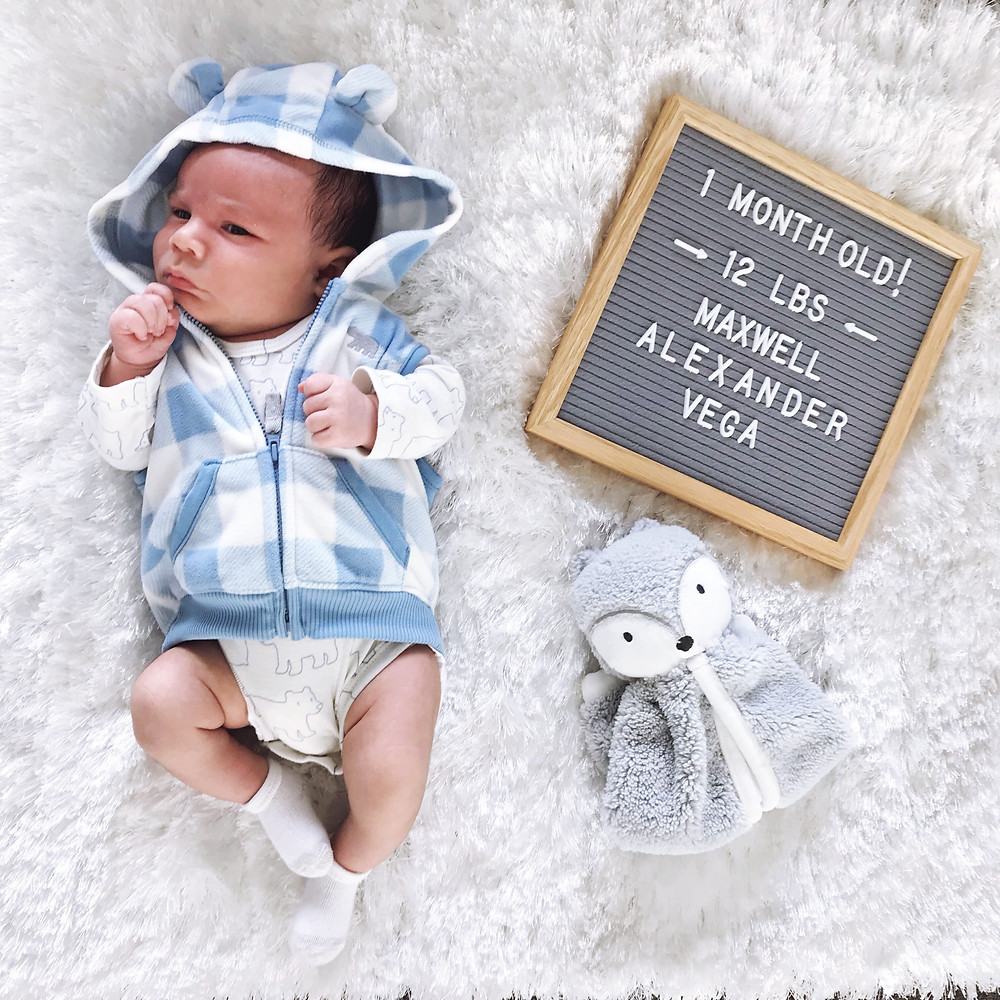 Maxwell Alexander Vega - 1 Month Photoshoot Idea - Monthly Baby Flatlay - Monthly baby update - Blog - Mom Blog