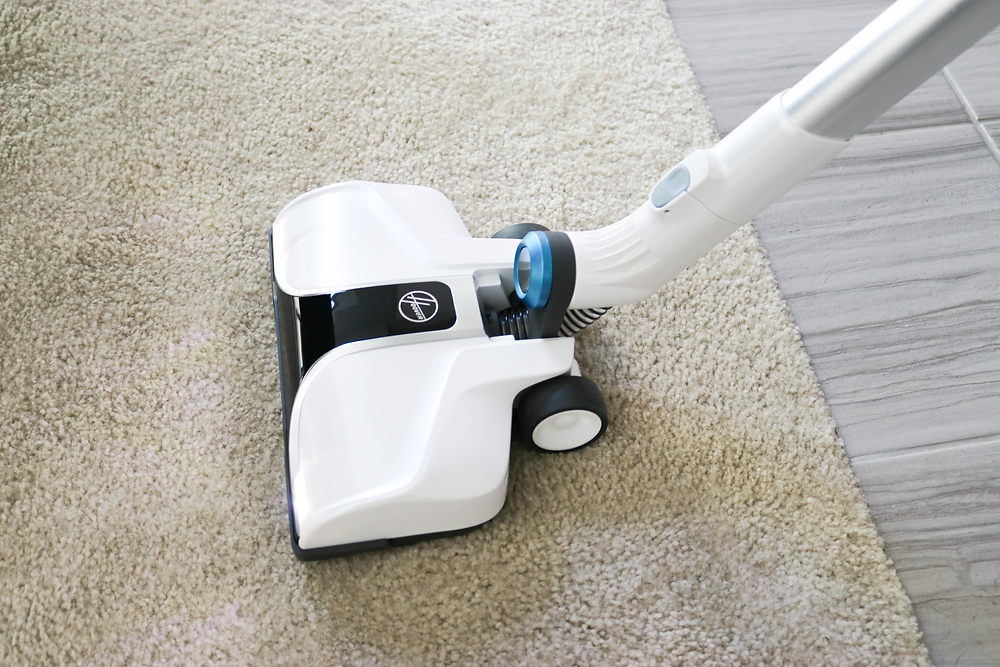 Holiday Cleaning with Hoover + Cleaning Checklist + Organization Tips + Pet Cleaning Tips + Dog Hair Cleaning Tips