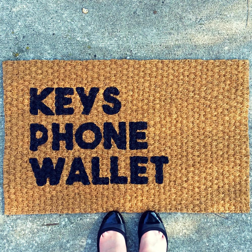 It's always happy hour doormat - Cassandra Ann - CassandraAnn.com - Door mat - DIY - Buy